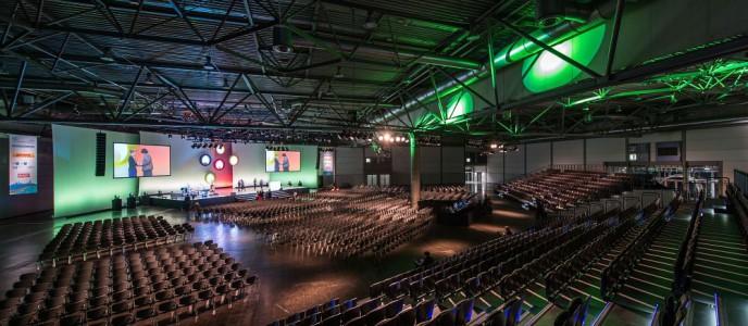 Messehalle 2 (an CCL angrenzend), genutzt für Plenum eines Kongresses