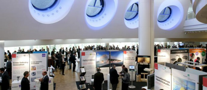 Lichtdurchflutetes Foyer als Kernstück des Congress Center Basel
