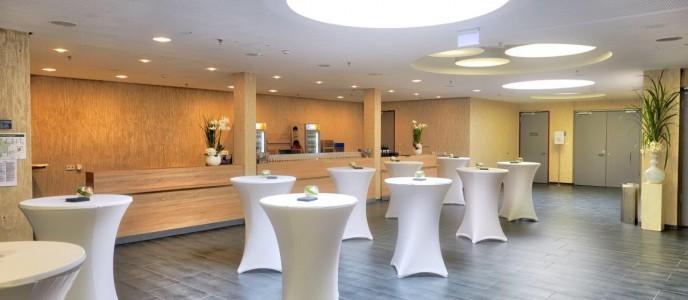 Foyer mit Cateringtheke